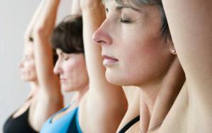 Йоги, выворачивающие ноги